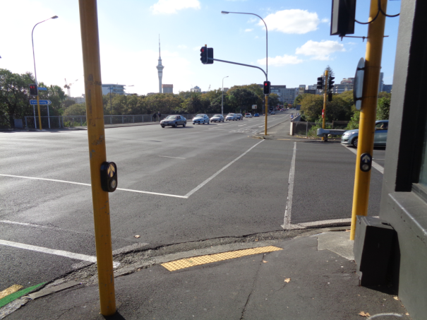 blind-Akl-Symmonds-St-bridge